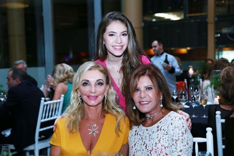 tnLaura-Pereira-Oliveira-Vania-Dalmaz-e-Judy-Nunes